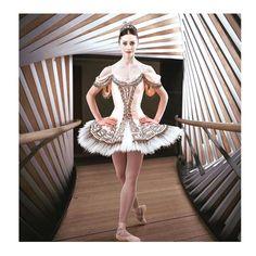 いいね!9,706件、コメント112件 ― Marianela Núñezさん(@marianelanunezofficial)のInstagramアカウント: 「Is all about #sylvia this week @royaloperahouse #theroyalballetcompany #ilovemyballerinalife…」