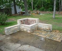 Fire Pit Ideas Backyard Landscaping - Try turning off your TV and stashing the remote for a better family time. Go to your backyard and sit around the fire pit to maintain a conversation, instead. Fire Pit Ring, Diy Fire Pit, Fire Pit Backyard, Small Fire Pit, Outside Fire Pits, Fire Pit Landscaping, Landscaping Ideas, Steinmetz, Fire Pit Materials