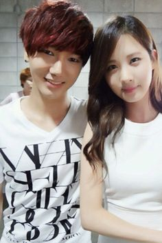 Super Junior's Yesung snaps a beautiful selca with Girls' Generation's Seohyun