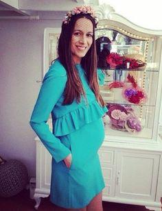 Embaraza y con estilo Pregnancy Looks, Pregnancy Months, Pregnancy Outfits, Pregnancy Style, Spring Maternity, Stylish Maternity, Maternity Fashion, Mom Style, Short Dresses