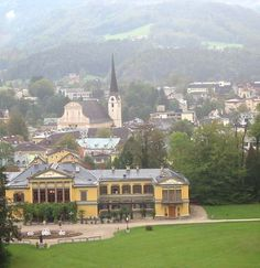 Travel Austria is a website about making holiday in Austria. Austria, Die Habsburger, What Really Happened, Her World, Switzerland, Places To Go, Colorado, Mansions, Country