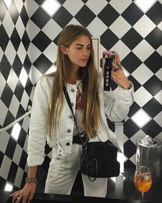Clara Berry (@clara.berry) • Instagram photos and videos Cute Fashion, Fashion Models, Spring Fashion, Girl Fashion, Chic Outfits, Summer Outfits, Fashion Outfits, Fashion Tips, Clara Berry