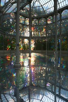 s Room of Rainbows Crystal Palace Madrid. Now I have dreams of taking wedding pictures here! Beautiful Architecture, Art And Architecture, Crystal Palace Madrid, Lights Fantastic, Images Esthétiques, Nature Aesthetic, Fantasy Landscape, Pretty Pictures, Aesthetic Pictures