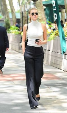 A trendy list of office-friendly outfit perfect this summer. | Office Style