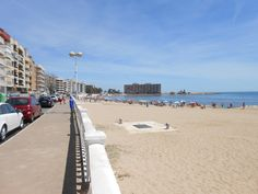 – Apartment La Casa Bonia, Torrevieja, Alicante, Comunidad Valenciana, Spain, 4 persons, rooms (2 bedrooms), 85m2 – Price from 252 Euro. – * Pets allowed – * Smoking not allowed * Events / parties not allowed * Suitable for children /...