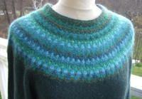 Design Kerstin Olsson, Recreated by Solveig Gustafsson. BOHUS KNITTING In collaboration with Bohuslän Museum in Uddevalla Knitting Designs, Knitting Stitches, Knitting Yarn, Hand Knitting, Knitting Patterns, Knitting Ideas, Crochet Wool, Crochet Trim, Small Scarf