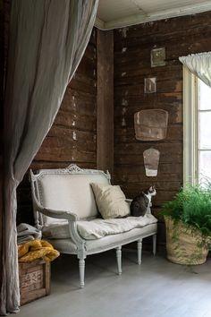 Parolan Asema: Pellavasohva Outdoor Sofa, Outdoor Furniture, Outdoor Decor, Sofa Makeover, Porch Swing, Live, Heart, Home Decor, Homes