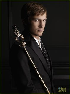 """William Moseley - new show on E! network """"The Royals"""""""