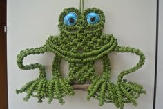 Macrame Frog Wall Hanging / Home Deco от RoseliensMacrame на Etsy, €24.95