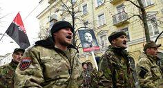 Via Laurent Brayard  Nazis ukrainiens du #PravySektor #Ukraine brune