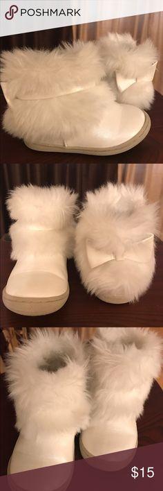 Genuine Kids from OshKosh 15% OFF Bundle SALE Alivia Fur Boots White Osh Kosh Shoes Boots