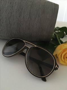 Tom Ford aviator for him and her - You can purchase the Tom Ford eyewear collection on www.eyecatchonline.com