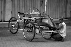 Waiting for customers #becak #indonesia #java #road #bicycle #asia #bw