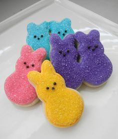 Marshmallow Peeps sugar cookies! I love the colored sugar decoration... I may be able to pull this one off.