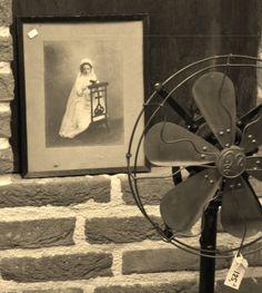 oude ventilator en oude trouwfoto