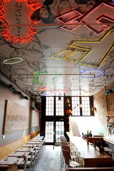 restaurant bar Commercial design Retail Tokyo restaurants bar with interesting ceiling Design Bar Restaurant, Deco Restaurant, Tokyo Restaurant, Graffiti Restaurant, Modern Restaurant, Commercial Interior Design, Commercial Interiors, Café Design, House Design