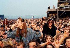 28 settembre 1991. Dei ragazzi partecipano al primo e unico concerto rock organizzato in Unione Sovietica. Mezzo milione di persone ad ascoltare dal vivo i grandi della musica rock del tempo quali AC/DC, Pantera, Metallica...la fine di quasi 70 anni di isolamento dal resto del mondo è ormai vicina.