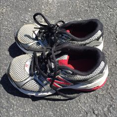 Boys new balance Excellent used condition New Balance Shoes Athletic Shoes