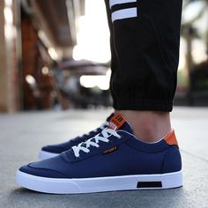 Casual British Style Autumn White Shoes For Men - Casual British Style Autumn White Shoes For Men Casual British Style Autumn White Shoes For Men – zorket Street Style Trends, Sneakers Fashion, Fashion Shoes, White Shoes Men, Shoes For Men, Mens Canvas Shoes, Comfortable Mens Shoes, Trend Fashion, Fashion Guide