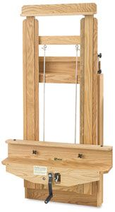 A wall-mounted easel that can be mounted on the wall. Great for saving floor space.