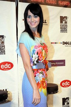 Holic Katy Perry Hairstyles with Medium Length Hair
