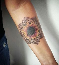 20 More Magnificent Sunflower Tattoos #flowertattoo; #tattoo; #tattooart; #tattoodesign