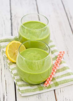 This Kale Apple Smoothie is quick & easy to make, full of good for you ingredients & will help get your day off to a great start. And for you banana haters out there, it's banana free! Vegan Recipes Beginner, Easy Juice Recipes, Green Drink Recipes, Recipes For Beginners, Dairy Free Recipes, Clean Recipes, Healthy Recipes, Kale Recipes, Kale Apple Smoothie