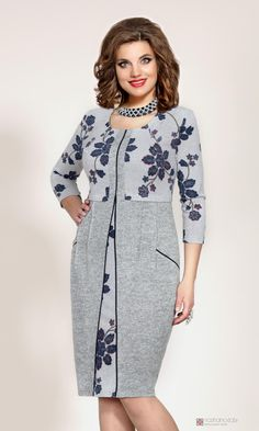 Повседневные платья Vittoria Queen 3863 -1 Simple Dresses, Casual Dresses, Dresses For Work, Hijab Fashion, Fashion Dresses, Mom Dress, Batik Dress, Dress Sewing Patterns, Blouse Styles