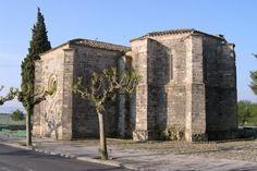 Santa Maria de Bell-lloc  Info: www.monestirs.cat/monst/conca/co13bell.htm