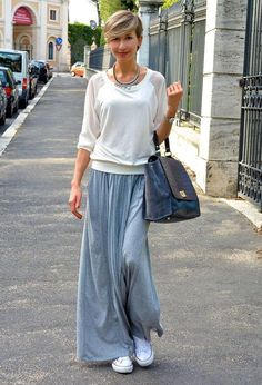 Discover and organize outfit ideas for your clothes. Decide your daily outfit with your wardrobe clothes, and discover the most inspiring personal style Pleated Skirt Outfit, Long Skirt Outfits, Midi Skirts, Casual Maxi Skirts, Modest Fashion, Fashion Outfits, Womens Fashion, Sneakers Fashion, Retro Outfits
