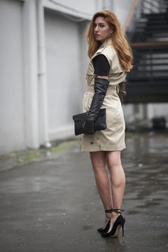 Legs and Seams Mercedes Benz, Leather Gloves, Leather Fashion, Autumn Winter Fashion, Love Fashion, Black Leather, Street Style, Legs, Chic