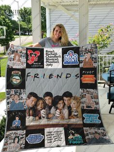 Friends American Sitcom Television Series Ross Rachel Chandler Monica Phoebe Joey Gift For Friends Fan Sitcom Lover Movie Lover Quilt Tv: Friends, Friends Tv Quotes, Serie Friends, Friends Episodes, Friends Moments, Friends Forever, Gifts For Friends, Birthday Presents For Friends, Friends Cake