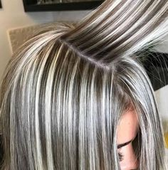 Frisuren 40 Gorgeous Gray Hair Styles Ideas This Year Gray Hair Highlights, Hair Color Balayage, Low Lights And Highlights, Heavy Highlights, Blonde Balayage, Foil Highlights, Honey Balayage, Brown Balayage, Hair Color And Cut