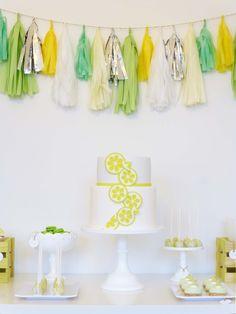 Esta é para os mais crescidos!   Uma mesa moderna, com uma paleta de cores trendy e sabor a lima.   Caipirinhas anyone?     ...