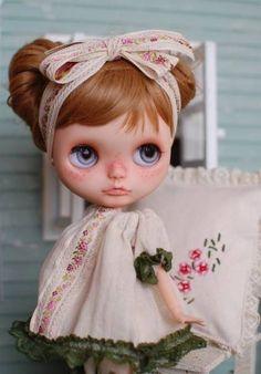 Custom Blythe §Shanana§ (USED) Buy her here: #blythe #blythedolls #kawaii…