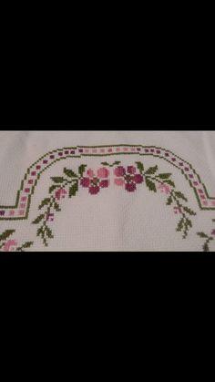 Beaded Cross Stitch, Cross Stitch Flowers, Teapot Cover, Prayer Rug, Yarn Shop, Easy Crochet Patterns, New Hobbies, Bargello, Vintage Patterns