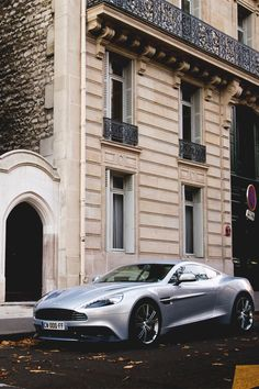 italian-luxury:  Aston Martin Vanquish