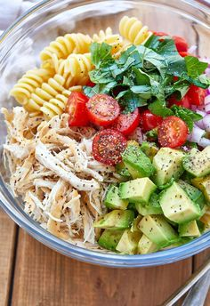 Healthy Chicken Pasta Salad - chicken salad recipe - Packed with flavor, protein and veggies! This healthy chicken pasta salad is loaded with tomatoes, avocado, and fresh basil. - recipe by healthyrecipe 266627240426414000 Healthy Chicken Pasta, Salad Chicken, Basil Chicken, Healthy Pasta Salad, Chicken Spaghetti, Chicken Pasta Salad Recipes, Shrimp Recipes, Protein Salad, Grilled Chicken