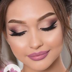 Whenever you do eye makeup, make your eyes look brighter. Your eye cosmetics must make your eyes stand apart amongst the other functions of your face. Natural Prom Makeup, Wedding Eye Makeup, Bride Makeup, Hair Makeup, Wedding Smokey Eye, Makeup Eye Looks, Bridal Makeup Looks, Best Lengthening Mascara, Make Up Braut
