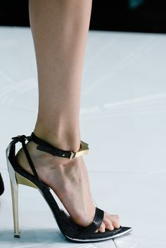 Roberto Cavalli Spring 2013 Ready-to-Wear Fashion Show Details