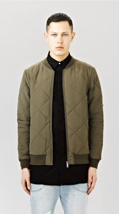 Land Of Cool - themaxdavis: Quilted Bomber Army Green Fashion Beauty, Mens Fashion, Fashion Outfits, I Love Ugly, Classic Man, Quilted Jacket, Men Looks, Army Green, Street Wear