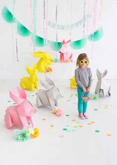 Oh Happy Day's DIY Giant Origami Bunnies! Fun idea for decor. and good inspiration to super size any other origami designs too! Bunny Crafts, Easter Crafts, Crafts For Kids, Diy Crafts, Easter Ideas, Upcycled Crafts, Creative Crafts, Decor Crafts, Diy Party Dekoration