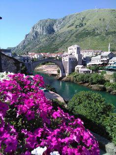Mostar Köprüsü... Bosna Hersek...
