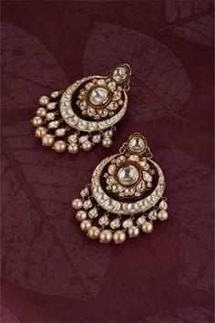 Buy Gold Jewelry Near Me Refferal: 2450242674 Indian Jewelry Earrings, Real Gold Jewelry, Jewelry Design Earrings, Gold Earrings Designs, Indian Wedding Jewelry, Gold Jewellery Design, India Jewelry, Gems Jewelry, Fancy Earrings