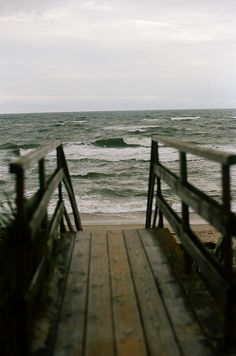 beach waves, beach please Stormy Sea, House By The Sea, All Nature, Am Meer, Belle Photo, The Great Outdoors, Seaside, Beautiful Places, Beautiful Life