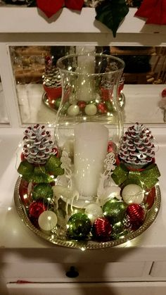 Here are the best Christmas Kitchen decorating ideas. These Christmas Kitchen decorations are warm and cozy kitchen decors which looks gorgeous. Beautiful Christmas, Simple Christmas, Christmas Wreaths, Christmas Crafts, Christmas Kitchen, Christmas Christmas, Advent Wreaths, Nordic Christmas, Modern Christmas