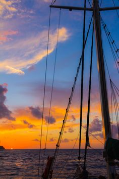 Sunset sailing in Oia, Santorini