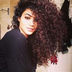 This is how I want my hair to be!! Team natural hair!