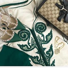 Sell online caftan whatsapp 212663293299 #couture #caftan #dubai #chik #design…