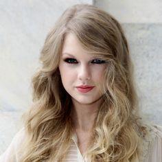 Taylor Swift - Singer - Famous Pennsylvanians - Born December 13, 1989 in Wyomissing, Pennsylvania